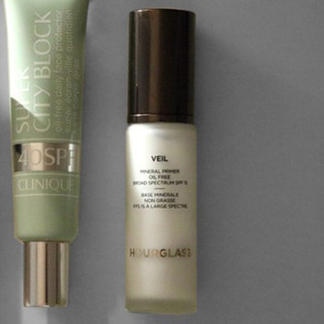 Photo of Hourglass Veil Mineral Primer SPF 15 uploaded by Raechel A.
