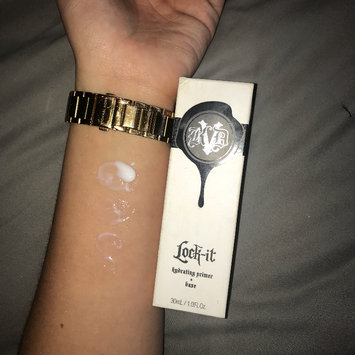 Photo of Kat Von D Lock-it Hydrating Primer uploaded by Ellie-may L.