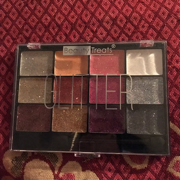 Photo of BEAUTY TREATS Sparkle Glitter Palette 1 uploaded by Lucia R.