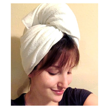 Photo of AQUIS Lisse Luxe Hair Towel uploaded by Alexis A.