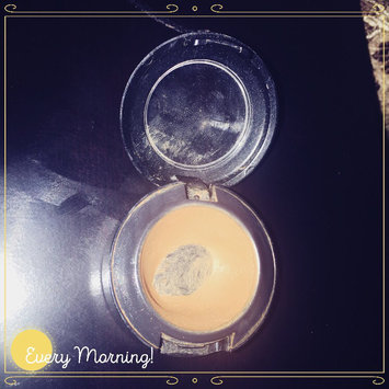 Photo of M.A.C Cosmetics Studio Finish SPF 35 Concealer uploaded by Andrea R.