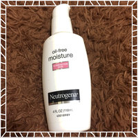 Neutrogena® Oil-Free Moisture Broad Spectrum SPF 15 uploaded by Alondra D.
