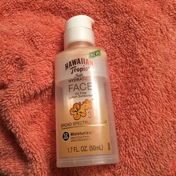 Photo of Hawaiian Tropic Silk Hydration Sunscreen Face Lotion with SPF 30 - 1. uploaded by Lily Z.