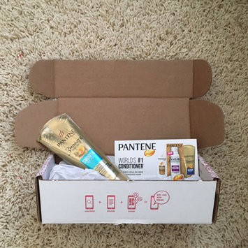 Photo of Pantene 3 Minute Miracle Moisture Renewal Deep Conditioner uploaded by Michaela B.