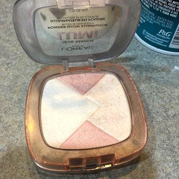 Photo of L'Oréal® Paris True Match Lumi Powder Glow Illuminator uploaded by Meryam M.