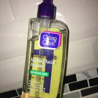 Clean & Clear® Essentials Foaming Facial Cleanser Sensitive Skin uploaded by Yasmine F.