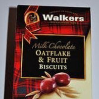Walkers Milk Choc Oatflake & Fruit Cookies - 5.3 oz uploaded by Umema H.