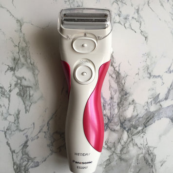 Photo of Panasonic Close Curves 3-Blade Wet/Dry Ladies Shaver uploaded by Maira T.