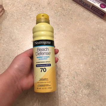 Photo of Neutrogena® Beach Defense® Water + Sun Protection Sunscreen Spray Broad Spectrum SPF 70 uploaded by Diana H.