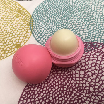 Photo of eos® Organic Smooth Sphere Lip Balm uploaded by Alina R.