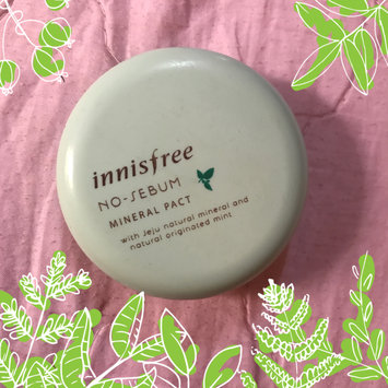 Photo of Innisfree No Sebum Mineral Powder 5g uploaded by Mia N.