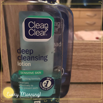 Photo of Clean & Clear® Essentials Deep Cleaning Toner For Sensitive Skin uploaded by Lauren G.