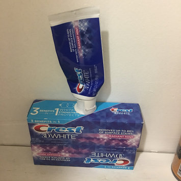 Photo of Crest 3D White Whitening Toothpaste Radiant Mint uploaded by jasmine a.