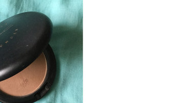 Photo of M.A.C Cosmetic Bronzing Powder uploaded by Ciaralii P.