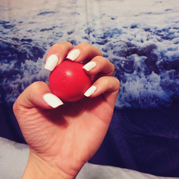 Photo of eos® Organic Smooth Sphere Lip Balm uploaded by Kayce S.