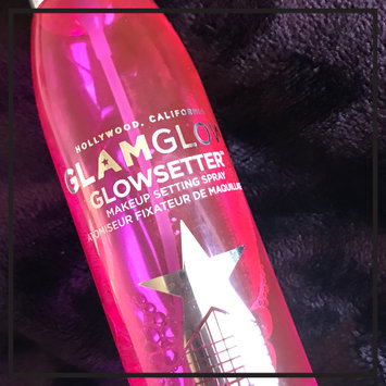 Photo of GLAMGLOW GLOWSETTER™ Makeup Setting Spray uploaded by Taylor A.