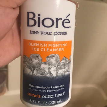 Photo of Bioré Blemish Fighting Ice Cleanser uploaded by Perla Z.