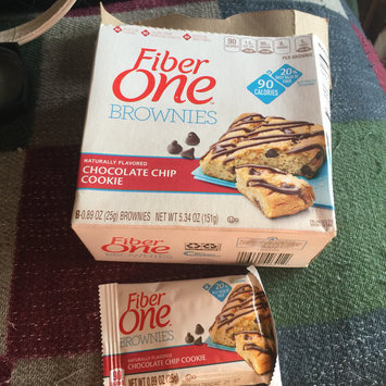 Photo of Fiber One 90 Calorie Chocolate Chip Cookie Brownies uploaded by Wendy C.