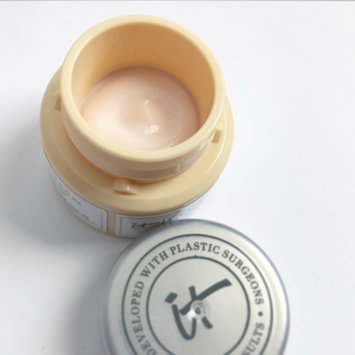 Photo of IT Cosmetics Confidence in a Cream Transforming Moisturizing Super Cream uploaded by Amber M.