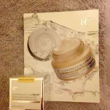 Photo of IT Cosmetics Confidence in a Cream Transforming Moisturizing Super Cream uploaded by Nka k.