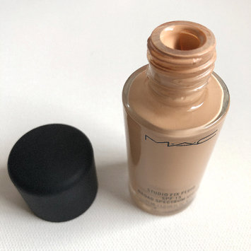 Photo of M.A.C Cosmetic Studio Fix Fluid SPF 15 uploaded by Amber M.