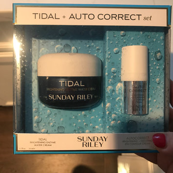 Photo of SUNDAY RILEY Tidal + Auto Correct Set uploaded by Edita P.