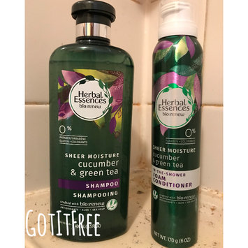 Photo of Herbal Essences Cucumber & Green Tea Foam Conditioner uploaded by Yesenia D.