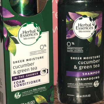 Photo of Herbal Essences Cucumber & Green Tea Foam Conditioner uploaded by Michelle P.