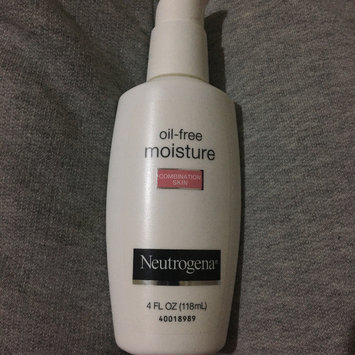 Photo of Neutrogena® Oil-Free Moisture Combination Skin uploaded by Monique F.
