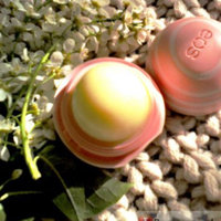 eos® evolution of smooth® Visibly Soft™ Honey Apple Lip Balm Sphere uploaded by Katy P.