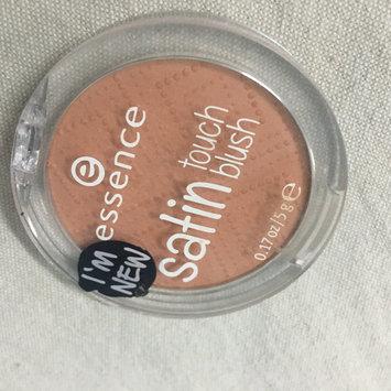 Photo of Essence Satin Touch Blush uploaded by Kalaashangeri P.