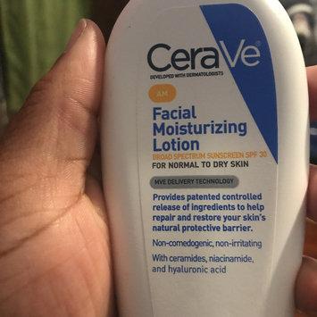 Photo of CeraVe AM Facial Moisturizing Lotion uploaded by Janilia 👑.