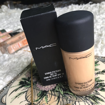 Photo of M.A.C Cosmetic Studio Fix Fluid SPF 15 uploaded by Alina K.