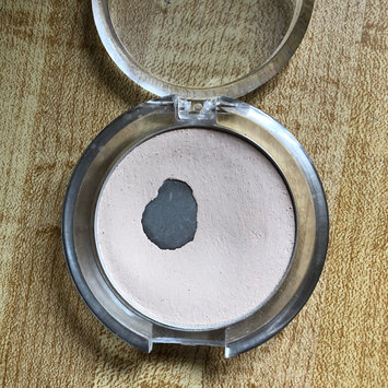 Photo of e.l.f. Cosmetics Prime & Stay Finishing Powder uploaded by Alicia D.