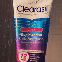 Clearasil Ultra Daily Face Wash Acne Medication uploaded by Maydelis C.
