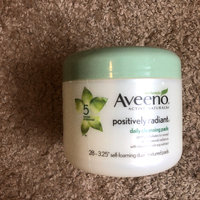 Aveeno®  Positively Radiant Exfoliating Daily Cleansing Pads uploaded by Katie H.