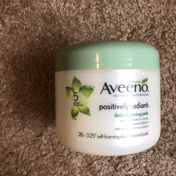 Photo of Aveeno®  Positively Radiant Exfoliating Daily Cleansing Pads uploaded by Katie H.