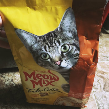 Photo of Meow Mix Tender Centers Cat Food Salmon & White Meat Chicken uploaded by MK J.