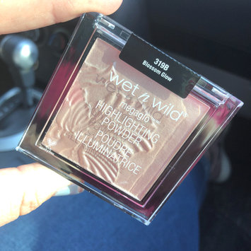 Photo of Wet N Wild MegaGlo™ Highlighting Powder uploaded by Alexis T.