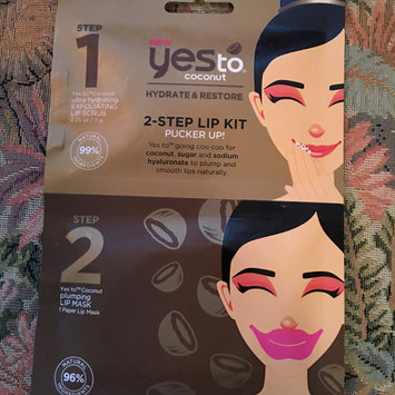 Photo of Yes To Coconut 2 Step Single Use Lip Kit Pucker Up uploaded by Jill R.