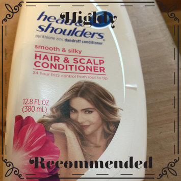 Photo of Head & Shoulders Smooth & Silky Dandruff Conditioner uploaded by Dawn M.