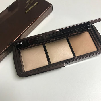 Photo of Hourglass Ambient Lighting Palette uploaded by Edita P.