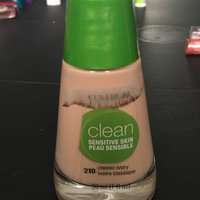 COVERGIRL Clean Sensitive Skin Liquid Foundation uploaded by inactive s.