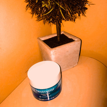 Photo of Neutrogena® Hydro Boost Water Gel uploaded by rogena t.