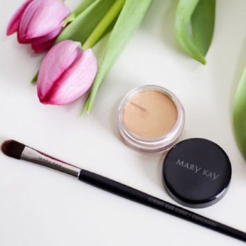 Photo of Mary Kay® Cream Eye Color/Concealer Brush uploaded by Keila C.