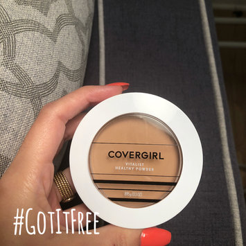 Photo of COVERGIRL Vitalist Healthy Setting Powder uploaded by Shima Z.