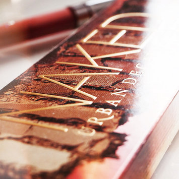 Photo of Urban Decay Naked Heat Eyeshadow Palette uploaded by Amelia R.