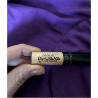 L'Oréal Paris Magic De-Crease Eyelid Primer uploaded by Devona L.