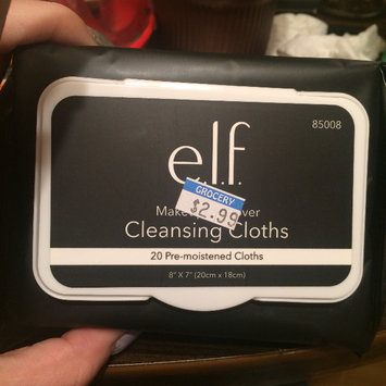 Photo of e.l.f. Makeup Remover Exfoliating Cleansing Cloths uploaded by Shania V.