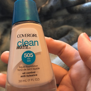 Photo uploaded to COVERGIRL Clean Matte Liquid Foundation by Brianna P.